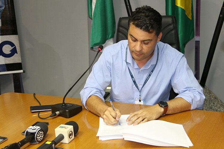 """O prefeito Marcelo Rangel protocolou novamente um projeto idêntico na Câmara Municipal no final da tarde hoje. Ele classificou a rejeição do projeto como um """"equívoco"""" dos vereadores"""