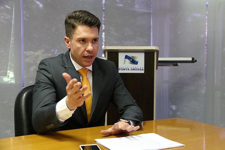 A cobrança da Dívida Ativa por meio de protesto judicial é uma das medidas tomadas pelo Executivo. Desde o dia 26 de abril, já foram enviados R$ 1,4 milhão para protesto de 20 contribuintes