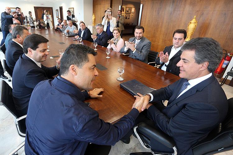 O governador Beto Richa recebeu o pedido do prefeito Marcelo Rangel e autorizou o início dos trâmites para obtenção de uma primeira parcela do crédito, de R$ 10 milhões