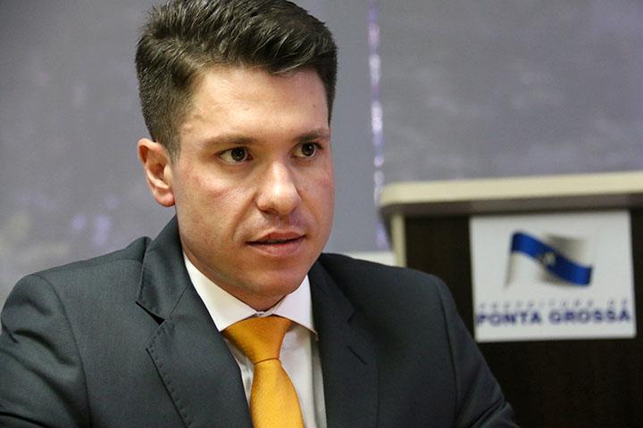 """""""[A medida] faz com que dê maior publicidade e transparência para toda a população saber quem está com uma situação de inadimplência com o município, quais as empresas que não pagam seus tributos"""", Marcus Freitas - procurador do Município"""