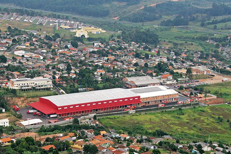 """A rede varejista que se intitula """"A gigante do Sul do Brasil"""", possui uma dívida 'gigantesca' em impostos com a Prefeitura de Ponta Grossa"""