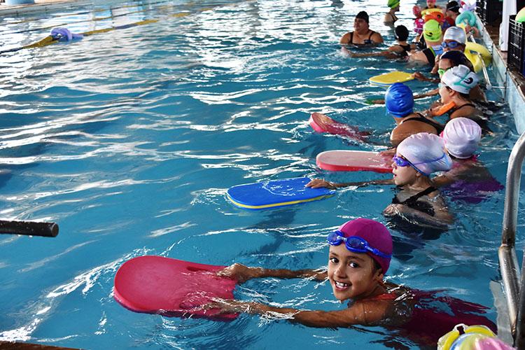 A atividade física promove o desenvolvimento físico e cognitivo da criança