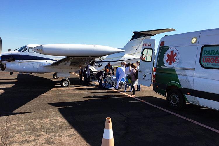 Um avião equipado com UTI, foi deslocado para Ponta Grossa ontem para fazer o resgate de uma criança de seis anos vítima de queimaduras de segundo grau. Com o socorro, a vítima foi transportada para o Hospital Universitário em Londrina