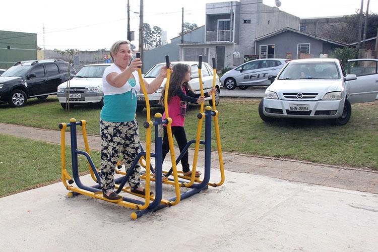 A Prefeitura alerta para a ação de vândalos em academias, parques e praças