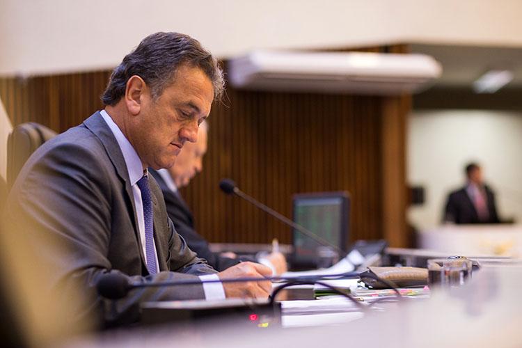 O deputado pediu informações técnicas que possam auxiliar na diminuição da violência