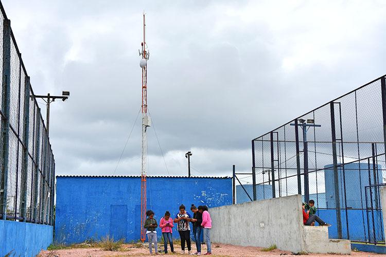 O sinal é será distribuído via rádio. Os cadastros já podem ser realizados pelo site e na Prefeitura